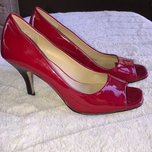 Tahari  open toe pumps red patent leather 6M